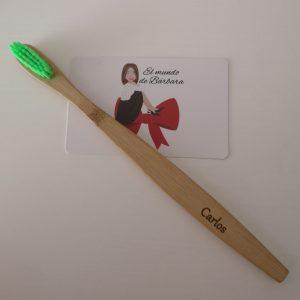 Cepillo de dientes verde