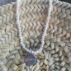 Collar de Perlas con medalla dentada