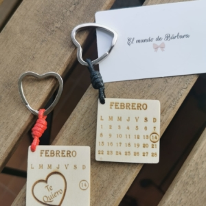 Llavero Calendario de madera combinado con cuero